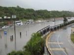 totalmente inundada la autopista